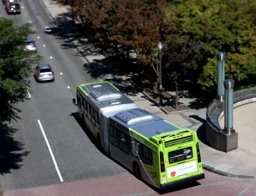 Les citoyens du centre-ville parlent de transport en commun avec le maire de Québec