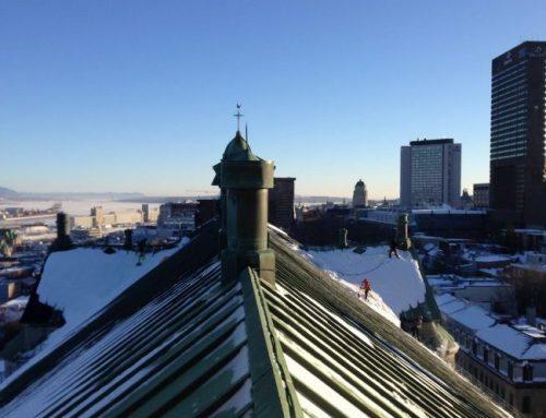 Sur le toit, ou presque, de l'église Saint-Jean-Baptiste